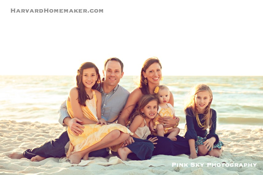 Family of Six Photo on the Beach