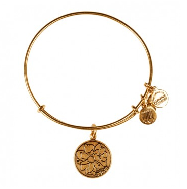 Gifts for Her_Mom Charm Bangle