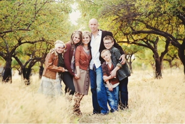What To Wear For Family Pictures A 10 Step Guide To Looking